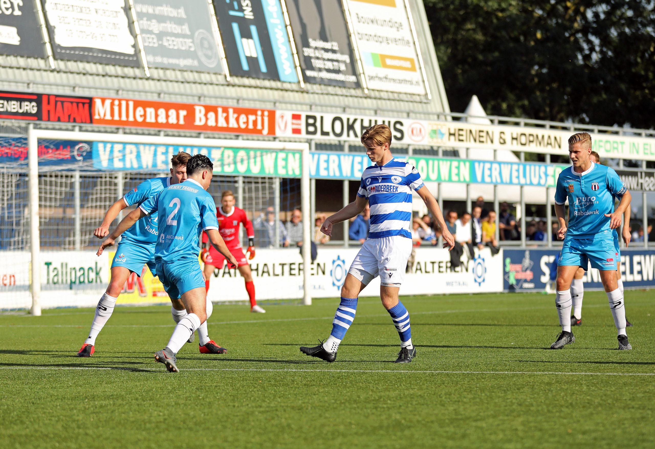 Wervelend Spakenburg wint de wedstrijd in eerste helft